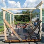 Hüttenbau: die weiteren Wände stehen
